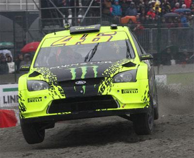ロッシが4輪で壁に衝突!!:ヴァレンティーノ・ロッシ