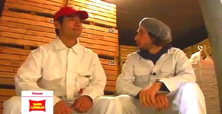 青山&シモンチェッリ:ポテチ工場で働いちゃいました【字幕動画】