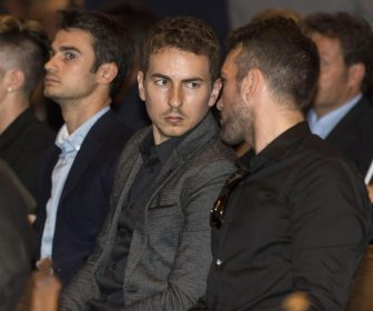 epa05352160 Spanish motorcyclists Jorge Lorenzo (C) and Daniel Pedrosa (L) attend the funeral of late Spanish motocyclist Luis Salom during the funeral held at the Palma de Mallorca's cathedral in the Baleares Islands, Spain, 08 June 2016. Salom died on 03 June 2016 at the Catalonian Motorcycling Grand Prix.  EPA/CATI CLADERA