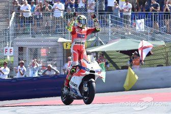 motogp-austrian-gp-2016-race-winner-andrea-iannone-ducati-team