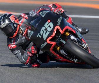 2017-motogp-valencia-test-day1-vinales