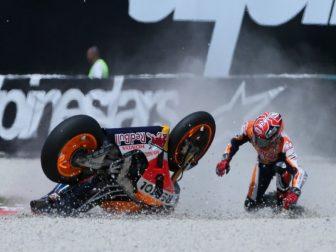 marc-marquez-sepang-crash