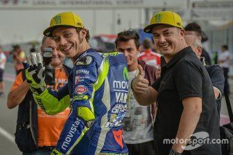 motogp-qatar-gp-2016-valentino-rossi-yamaha-factory-racing