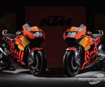 motogp-ktm-launch-2017-red-bull-ktm-factory-racing-rc16 (2)