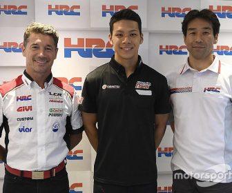 motogp-nakagami-lcr-honda-announcement-2017-lucio-cecchinello-lcr-honda-team-principal-tak-5262664