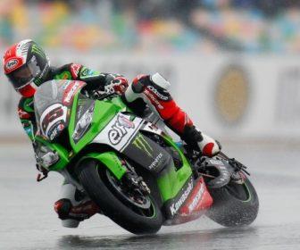 sbk-2015-magny-cours-race1-rea