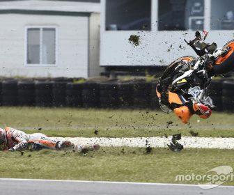 motogp-australian-gp-2016-marc-marquez-repsol-honda-team-crash