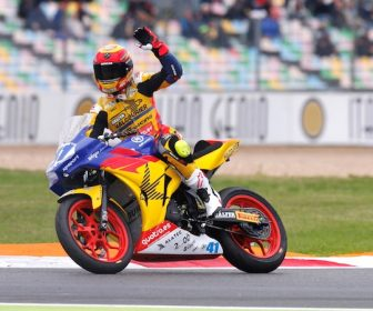 2017-ssp300-magny-cours-race-garcia