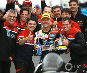 moto2-misano-2017-race-winner-dominique-aegerter-kiefer-racing