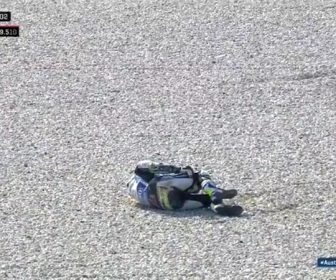 2018-phillip-island-fp2-crutchilow-crash